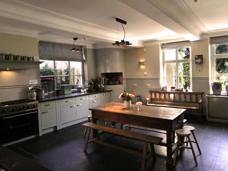 Huis broeckmeulen vakantiehuis groepsaccommodatie thorn limburg erfgoed logies - Keuken in het oude huis ...